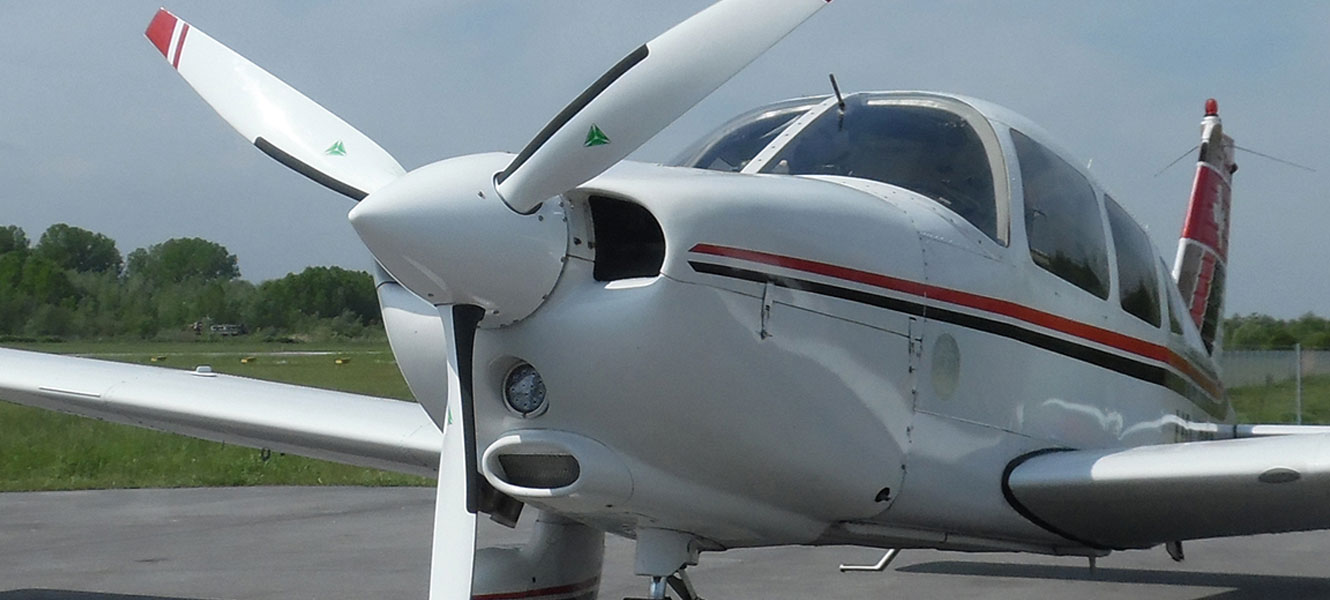 Piper PA 28 with 3-blade MTV-9
