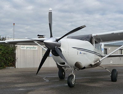 Cessna 206 MArk II with 5-blade MTV-5
