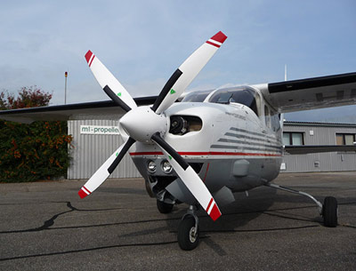 Cessna 210 with 4-blade MTV-14 / new scimitar blades