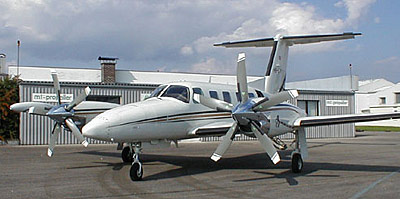Piper PA-42-1000 with MTV-27 reverse propeller